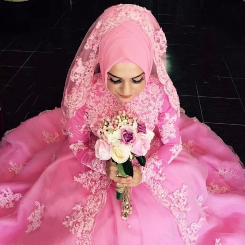 Vintage Pink Long Sleeve Muslim Wedding Dresses With Hijab Ball Gown Vestido De Noiva Lace Appliqued Dubai Indian Bridal